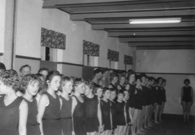 Gymnastikopvisning Gerning forsamlingshus 1961